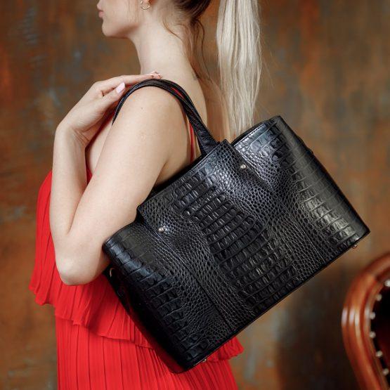 Черная сумка женская классическая